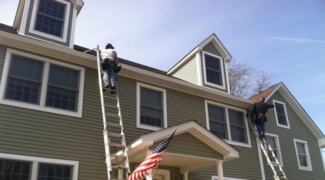 Seamless gutter installations in monroe ny l i k for New gutters