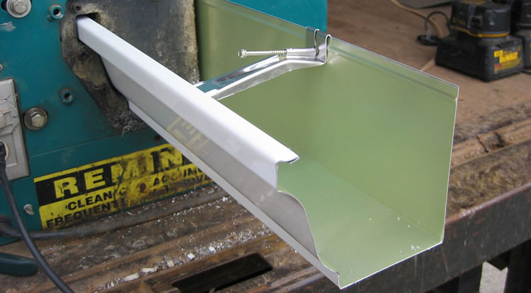 "This is a 6"" K Style Seamless Gutter Being Formed."